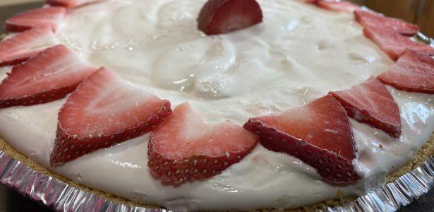 Frozen Strawberry Lemonade Pie